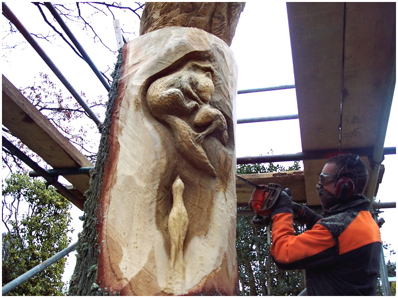 picture of cragside carving