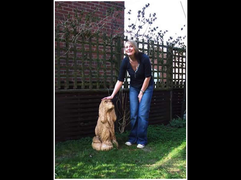 picture of springer spaniel carving