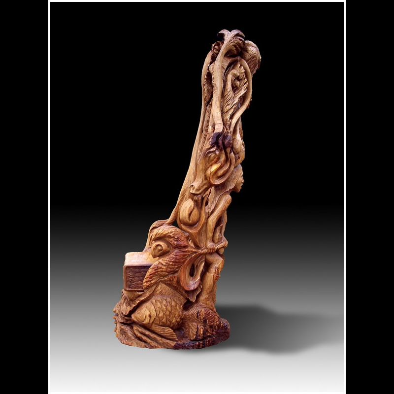 Chainsaw carving faerie chair