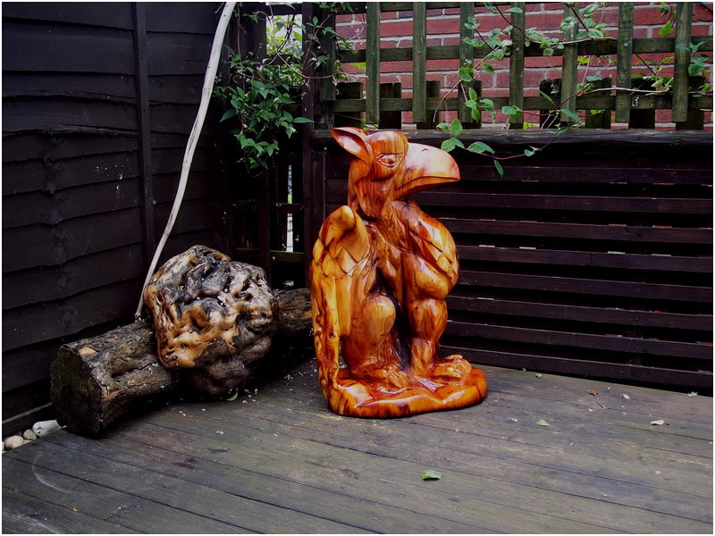 picture of griffin carving