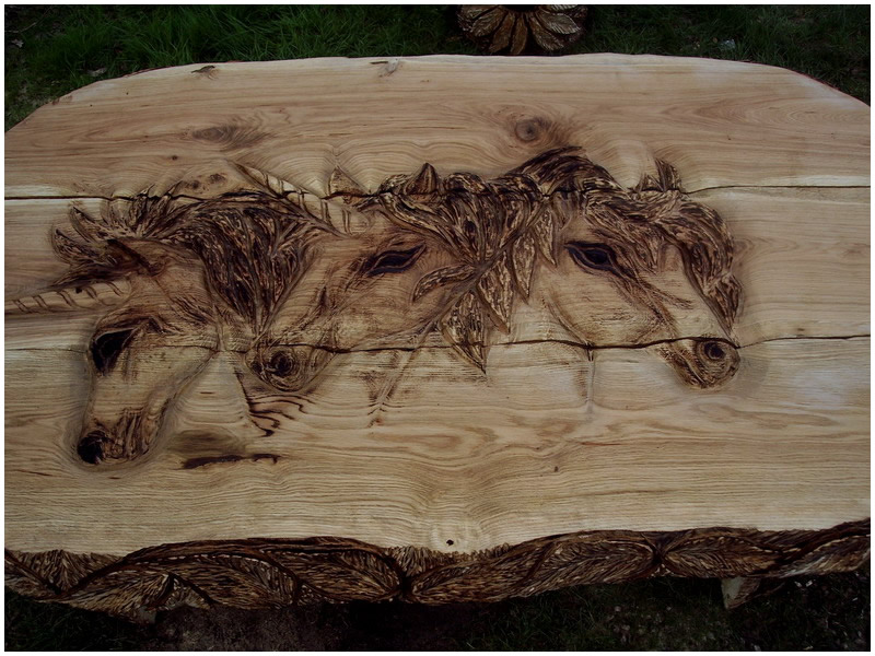 picture of unicorn table carving